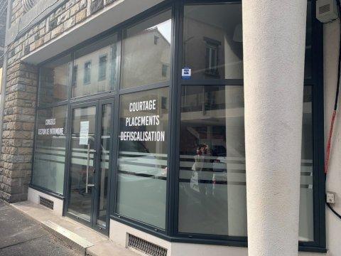 Vitrine commerce en aluminium à Clermont-Ferrand