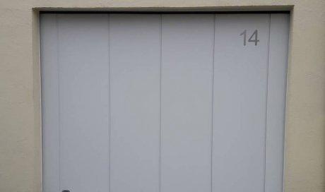 Porte de garage en PVC à Clermont-Ferrand