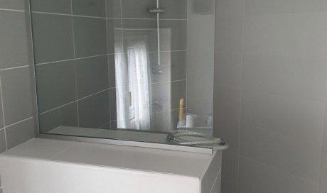 Pare-douche fixe en verre trempé à Clermont-Ferrand