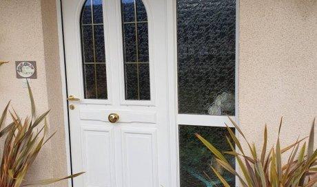 Fourniture et pose d'une porte en bois à RIOM