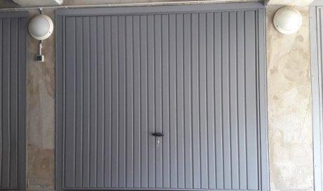 Porte de garage basculante sur mesure à Chamalières
