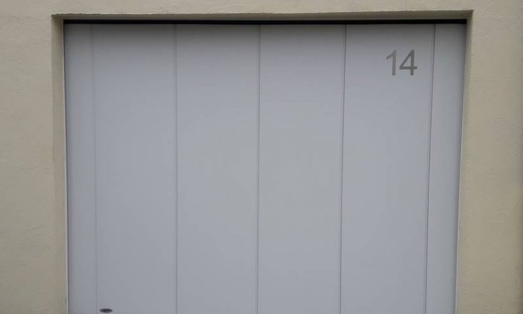Porte de garage coulissante motorisée à Clermont-Ferrand