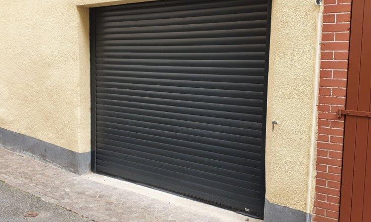 Porte de garage enroulable sur mesure à Clermont-Ferrand