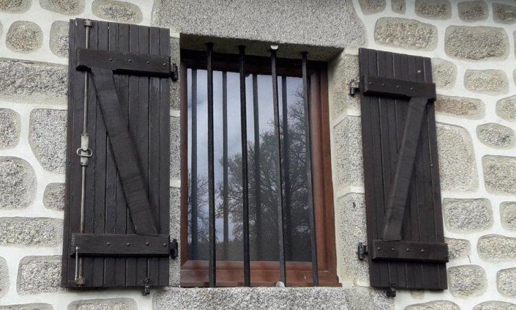 Fenêtre PVC plaxé noyer à Clermont Ferrand