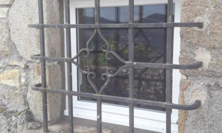 Fenêtre en bois posée en rénovation